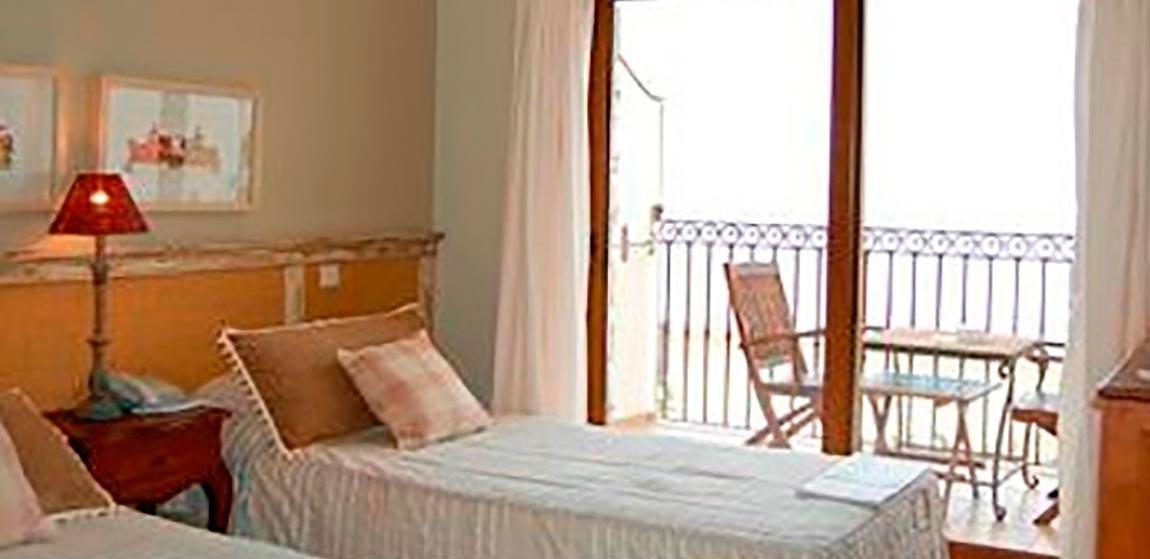 habitaciones-comunicadas-vista-mar-superior-norte-303-304.jpg