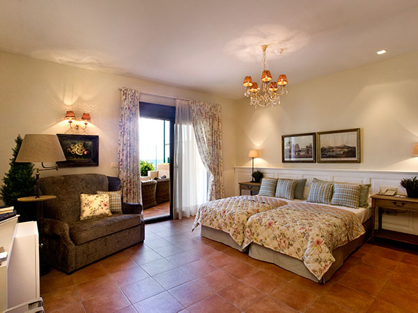 texto hotel 3 - HOTEL LOS ÁNGELES,<br/> IHR HOTEL DIREKT AM STRAND