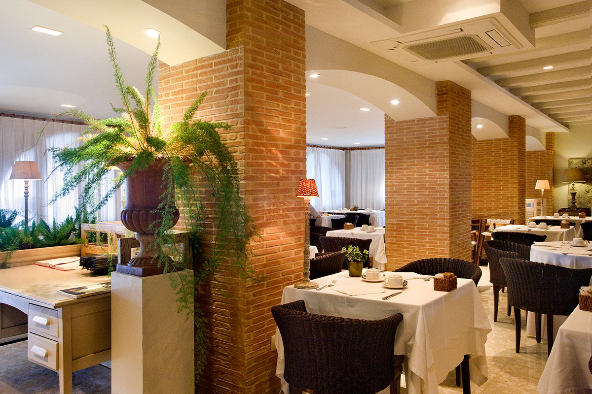 COMERDOR RESTAURANTE - The best food with the best service<br/> in the best environment.