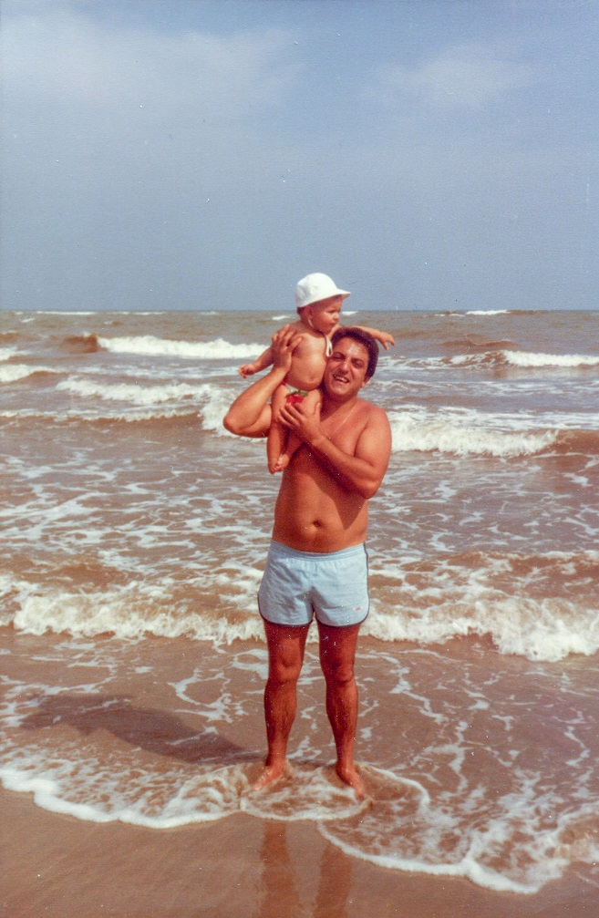 1981 82 130 1 - Javier Jordá. El turismo alcoyano en el Hotel Los Ángeles
